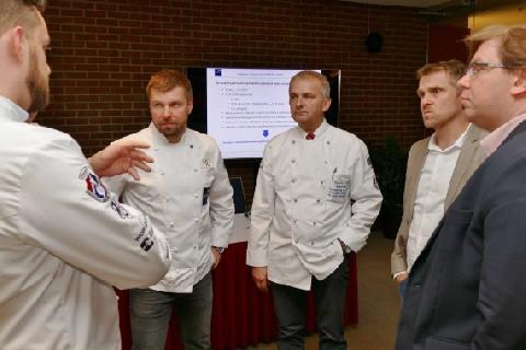 02985-CPI_Kulinarske_umeni_diskuse_chlapi.jpg