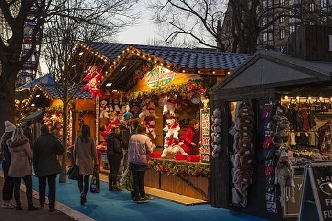 03074-christmas-market-1864241__340.jpg