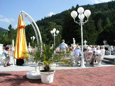 03462-450Radium_Palace_Cafe_terrace.jpg