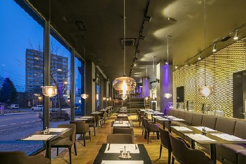 03758-Grand_Hotel_Imperial_-_restaurace_Zlaty_kohout.jpg