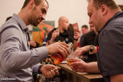 04113-whisky_fest_bratislava_3.jpg