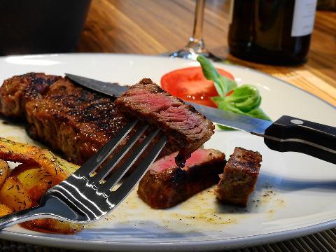 04128-steak-2272467_960_720.jpg